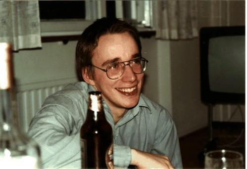 لینوس توروالدز (Linus Torvals)