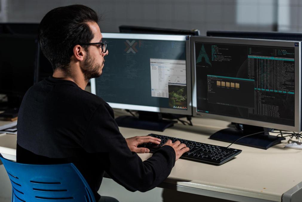 آموزش لینوکس : کار در خط فرمان (Work on the command line)