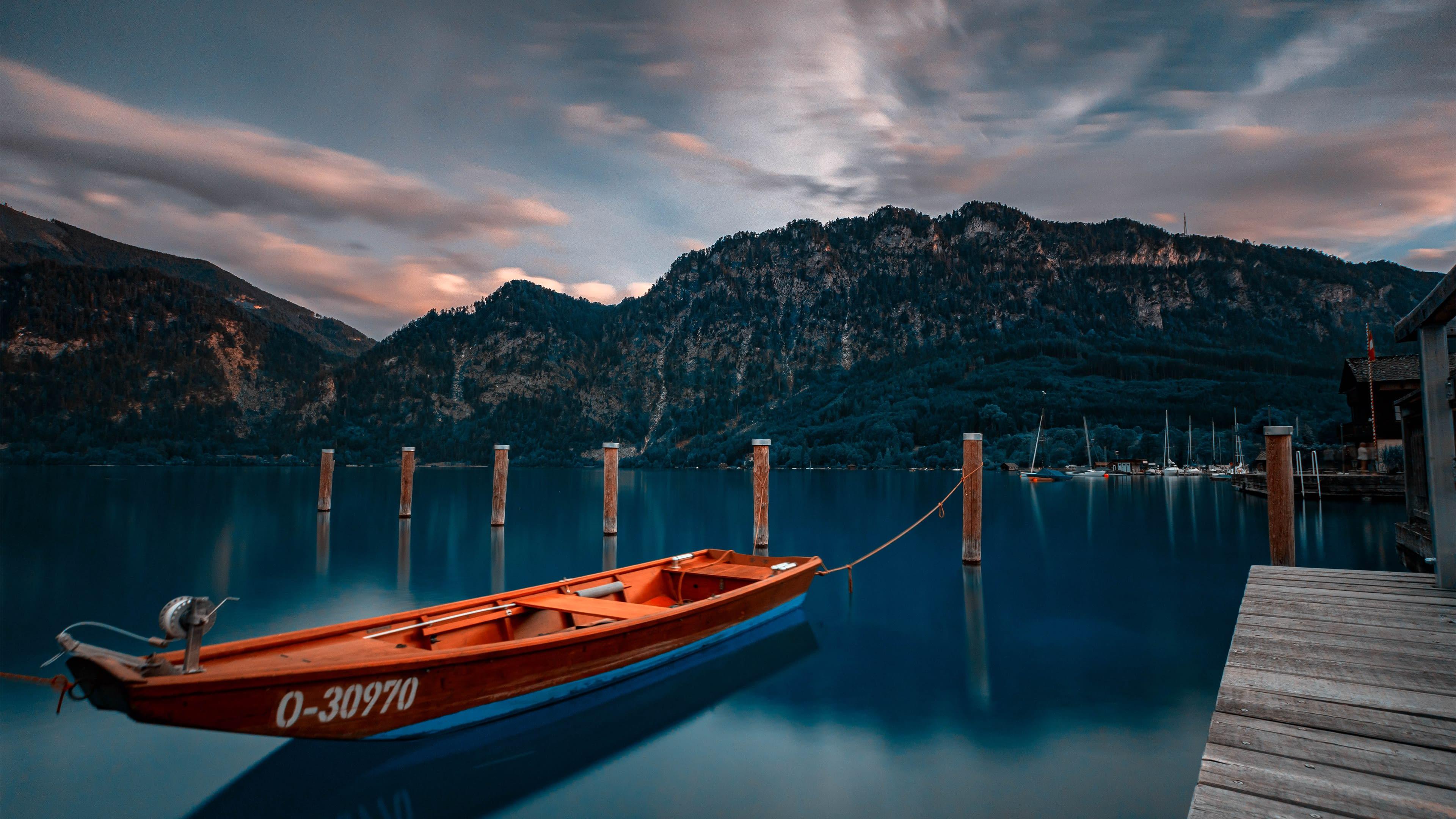 Frozen sunset on the lake by Manuel Arslanyan - دانلود Ubuntu 19.10 یا Eoan Ermine