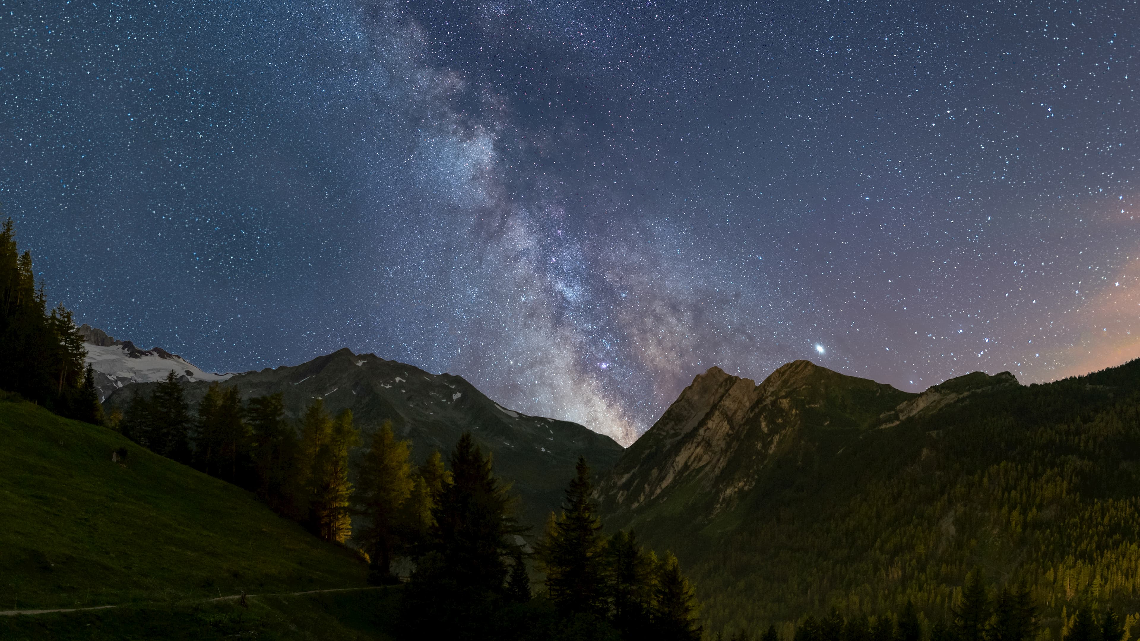 Stargazing by Marcel Kächele - دانلود Ubuntu 19.10 یا Eoan Ermine