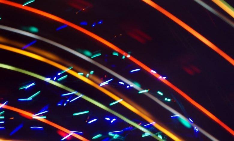 photo 1543536481 798ceac194b3 780x470 - نصب و راه اندازی کابل های شبکه فیبر نوری